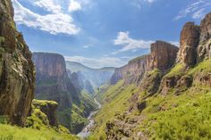 Central Highlands, Lesotho - Discover our guide to all the attractions, places of interest, and must-see events in Lesotho Travel Goals, Us Travel, Highlands, Adventure Holiday, Places Of Interest, Africa Travel, Weekend Trips, Dream Vacations, South Africa