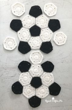 Inspired Picture of Crochet Ball Pattern Crochet Ball Pattern Crochet Soccer Ball Repeat Crafter Me Crochet Game, Cute Crochet, Crochet Crafts, Crochet Toys, Crochet Projects, Soccer Ball, Club Soccer, Soccer Games, Knitting Patterns