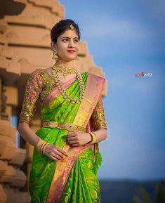 Pattu Saree Blouse Designs, Bridal Blouse Designs, Bridal Silk Saree, Saree Wedding, Wedding Bride, Saree Photoshoot, Indian Bridal Fashion, South Indian Bride, Pure Silk Sarees