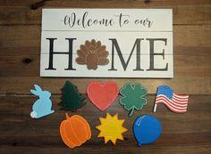Austauschbare HOME-Schilder – My Sanity Project - Home Dekoration Diy Crafts To Sell, Home Crafts, Kid Crafts, Diy Wood Signs, Pallet Signs, Diy Wood Projects, Wood Board Crafts, Woodworking Projects, Chalk Crafts