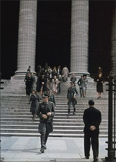 France, Paris, French civilians and German soldiers leave the Madeleine church World History, World War Ii, Kaiser Wilhelm, The Third Reich, German Army, Luftwaffe, War Machine, Wwii, Germany