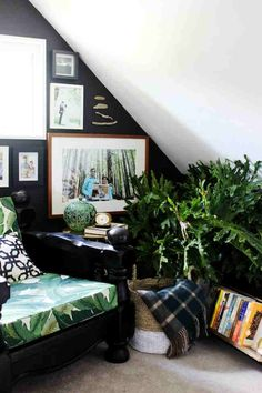 add-plants greenery to your reading nook decore.