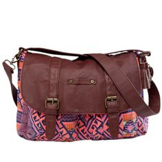 We love the versatility of this crossbody Hurley bag. Vote to win! http://apps.facebook.com/gordmansbacktoschool/pages/7e65879a1da1f0ef