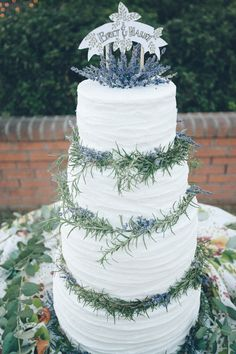 Trendy Wedding Cakes Lavender And Sage Wedding Story, Dream Wedding, Sage Wedding, Metallic Wedding Cakes, Lavender Cake, Naked Cakes, Diy Wedding Video, Geometric Wedding, Wedding Cake Designs