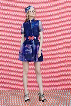See the complete Matthew Williamson Resort 2015 collection.