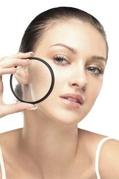 【毛孔粗大的煩惱】  女生們哪個不愛白淨無瑕的細緻皮膚?可是毛孔粗大的問題,正是常見的煩惱。研究發現,毛孔粗大主要是來自體質問題以及老化因素。使用含有果酸、左旋C、水楊等成分的保養品,能夠幫助表皮的新陳代謝正常化、改善粉刺、出油問題,能刺激皮膚中的膠原增生,預防肌膚老化。  記得要早晚洗臉喔!  www.iformula.com.hk 圖片來源:網路轉載