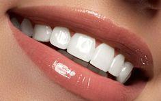 Αυτό είναι το «μαγικό» διάλυμα για πιο αστραφτερά δόντια με το βούρτσισμα - iCookGreek Health And Beauty Tips, Health Tips, Beauty Secrets, Beauty Hacks, Beauty Recipe, Natural Cosmetics, Face Care, Skin Care, Holidays And Events