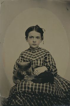 ANTIQUE-1870s-HAND-TINTED-GIRL-HOLDING-KITTEN-CAT-ON-LAP-TINTYPE-PHOTOGRAPH