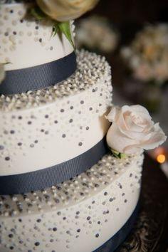 sparkle cake timeless fall virginia wedding Kelly Ewell Photography 275x413 Elegant and Timeless Fall Wedding Reception in Virginia: Amy + Rob