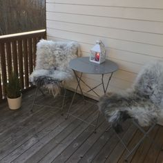 Winter comfort.  Our sheepskin rugs from old norse sheep fit nicely in a chair on your porch, veranda or balcony. Giving you a warm incentive to enjoy the outdoors even in chilly weather