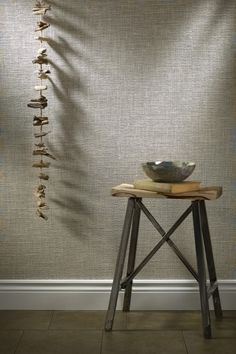 55 Ideas For Grasscloth Wallpaper Living Room Floors Wallpaper Decor, Painting Wallpaper, Fabric Wallpaper, Wallpaper Stores, Textured Wallpaper, Textured Walls, Burlap Wall, Living Room Flooring, Wall Treatments