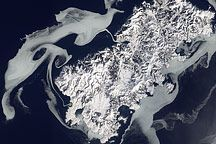 Sea Ice Surrounds Shikotan : Image of the Day : NASA Earth Observatory