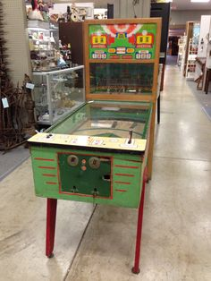 Awesome Vintage / Antique Baseball arcade game ! ..... If you like shopping for antiques .... Download the FLEATIQUE APP on the Apple App Store for IPhone 5 , 5s , 5c ..... Arcade pinball vintage retro pawnstars pawn stars retro antiques antique American pickers roadshow