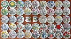 Pencil Illustration, Colored Pencils, Retro Vintage, Decorative Plates, Vases, Illustrations, Home Decor, Decoration Home, Colouring Pencils