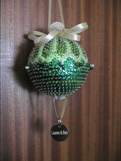 New Leaf Crafts: Hint Of Mint Christmas Bauble + how to video