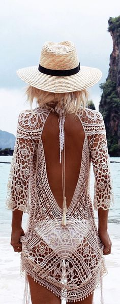Boho style is cool fashion. It is about the live young and live free attitude. Boho has been a great Hippie Ibiza Style, Bohemian Style, Bohemian Outfit, Bohemian Fashion, Ibiza Fashion, Modern Hippie, Bohemian Clothing, Summer Wear, Summer Outfits