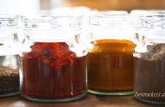 Kerriekool – bottel en bêre   Boerekos – Kook met Nostalgie Dessert Recipes, Dessert Ideas, Desserts, South African Recipes, Types Of Food, Beets, Vegetarian, Yummy Food, Snacks