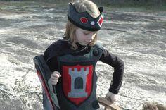 Caballero armadura - Peto - rojo y negro - traje - Halloween - niño disfraz