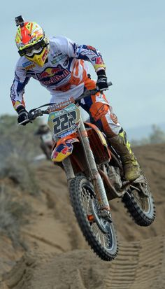 Heads up. Tony Cairoli at the Italian International Championship Motocross. http://win.gs/1ioFu4E Image: Stefano Taglioni/KTM Images #motocross #bike