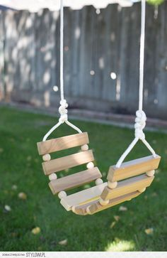 DIY Tree Swing for Kids & Adults na Stylowi.pl #WoodProjectsDiyToys #WoodworkingPlansForKids