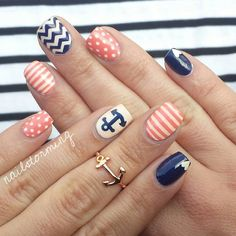 Navy blue + coral.. Such a cute color combo!
