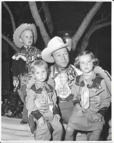 US $249.99 in Entertainment Memorabilia, Movie Memorabilia, Photographs Roy Rogers, 1940s, Jr, Sons, Photographs, David, Entertainment, The Originals, Best Deals