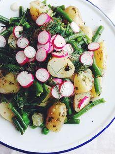 Herby Spring Potato Salad Vegan Jersey Royal Spring Salad recipe at Kitsunetsuki Kitchen Spring Salad, Summer Salads, Healthy Summer, Spring Food, Spring Summer, Fancy Salads, Vegetarian Recipes, Cooking Recipes, Healthy Recipes