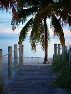 Smathers Beach entry, Florida - lilmissboho.com