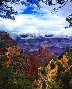 #shewashere #canyons #arizona #hike #trail #travel #explore #adventure #wanderlust #nature #outdoors #roadtrip #tourist #igtravel #travelgirls #travelgram #traveller #ilovetravel #nomad #californiagirl #findyourwild #getoutside #ventureout #livefree #instatravel #liveauthentic #theoutbound #staywild #neverstopexploring #wildernessbabes by she.ventures