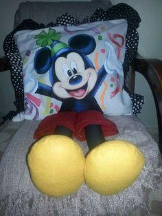 Almofadas de perninha | Mickey mouse | para crianças