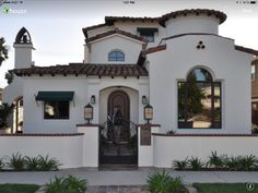 love the Spanish style, red roof, very So. clay tile floors, a colorful Mexican-tile backsplash in the kitchen; a stone patio with a firepit. and hot tub. Spanish Colonial Homes, Spanish Style Homes, Spanish Revival, Spanish House, Spanish Kitchen, Stucco Exterior, Exterior Design, Diy Exterior, Exterior Homes