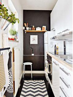 Étagère ouverte (1 tablette) dans une petite surface http://www.homelisty.com/etageres-ouvertes-cuisine/