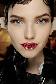 Spring/Summer 2013 Couture Christian DiorJewelled lips and contoured eyes at Christian Dior.