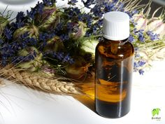 Szúnyogriasztó házilag Whiskey Bottle, Herbs, Cleaning, Drinks, Healthy, Food, Decor, Creative, Drinking