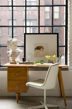 desk.window.