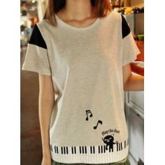 Grey T-Shirt with cat playing the piano printed on the bottom. #NekoTShirt #KittyTee #KawaiiTee