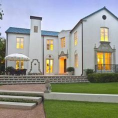 Style Profile: Amy Berry - The Glam Pad Luxury Nursery, Palm Beach Regency, Palm Beach Florida, Pastel House, Front Door Entrance, World Of Interiors, Park Homes, Pad, White Houses