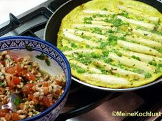 Tortilla mit Erbsen, Spargel und Nordsee-Krabben - Tortillas with peas, asparagus and little shrimps