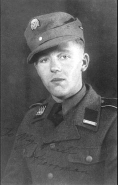 """Un """"SS-Rottenführer"""" du Britische Freikorps (British Free Corps) German Soldiers Ww2, German Army, Pearl Harbor, Lance Corporal, German Uniforms, The Third Reich, Prisoners Of War, Portraits, British Army"""