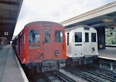 P stock in red with R Stock at Upminster London Underground Train, Underground Lines, London Transport, Public Transport, Metropolitan Line, Tube Train, S Bahn, Electric Train, Rolling Stock