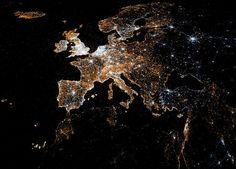 amazing data visual of tweets and flickr photos uploaded in europe