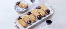 Prue Leith's Tiramisu Sandwich Biscuits from Great British Bakeoff British Baking Show Recipes, British Bake Off Recipes, Great British Bake Off, Biscuit Bar, Biscuit Cookies, Biscuit Recipe, Chocolate Covered Coffee Beans, Chocolate Dipped, Melting Chocolate