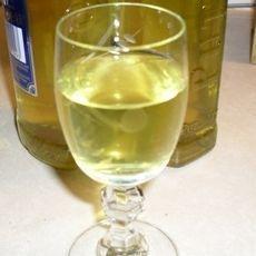 Λικέρ λεμόνι White Wine, Alcoholic Drinks, Food And Drink, Glass, Drinkware, Corning Glass, White Wines, Liquor Drinks, Alcoholic Beverages