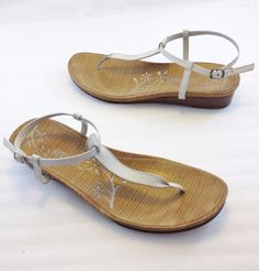 Kenneth Cole Reaction U Got Mil White Leather Ankle Strap Flats Sandals Womens 9 #KennethColeReaction #AnkleStrap #Casual