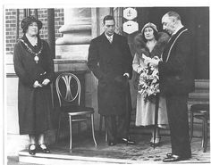 Duke and Duchess of York (King George VI) opening Avenue Campus 1932 Duchess Of York, Duke Of York, Duke And Duchess, Queen Mother, Old Photographs, King George, Queen Elizabeth, Nct, British Monarchy