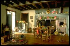 William Robertson: Miniature Christmas Room