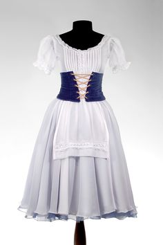 Giselle · Ballet · Costume Designer · Diseño de Vestuario: Ana Carolina Figueroa Girls Dance Costumes, Tutu Costumes, Ballet Costumes, Dance Outfits, Girl Outfits, Tutu Ballet, Ballerina Dress, Spanish Fashion, Beautiful Costumes