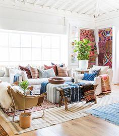 12 Inspiring Ways To Creatively Display Your Textile Collection – Lamour Artisans Boho Living Room, Living Spaces, African Living Rooms, Interior Exterior, Interior Design, Ikea Curtains, Ikea Frames, Diy Holz, Estilo Boho