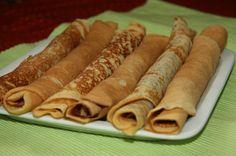 clatite delicioase fara faina, gata in 5 minute Romanian Desserts, Romanian Food, Romanian Recipes, Crepe Cake, Hot Dog Buns, I Foods, Cupcake Cakes, Breakfast Recipes, Deserts