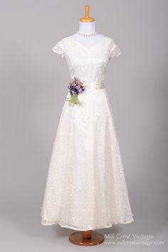 1950 Sweet Lace Vintage Wedding Gown